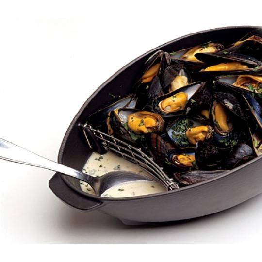 Staub Mussel Pot with Lid, 25 cm   Matt Black   1102523